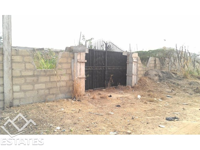Land with 5 bedroom duplex House for sale